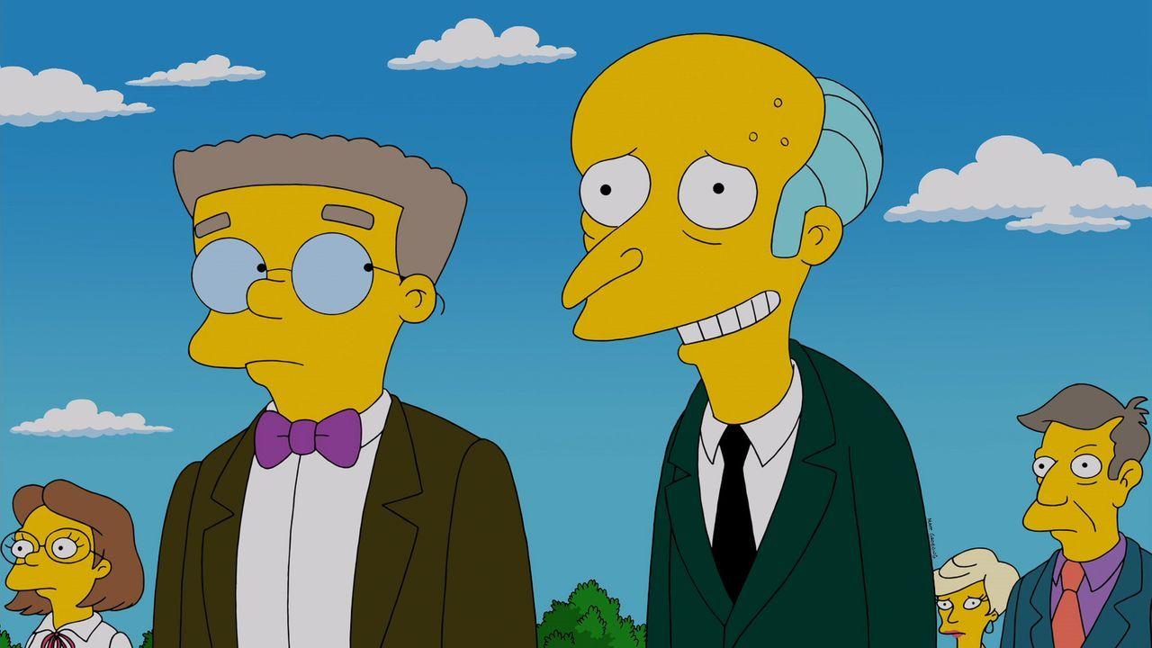 Reuige Sünder: Bei der Beeerdigung von Chip Davis spricht Reverend Lovejoy über Reue und Buße, was die Gäste nachdenklich stimmt. Auch Mr. Burns (r.... - Bildquelle: 2013 Twentieth Century Fox Film Corporation. All rights reserved.