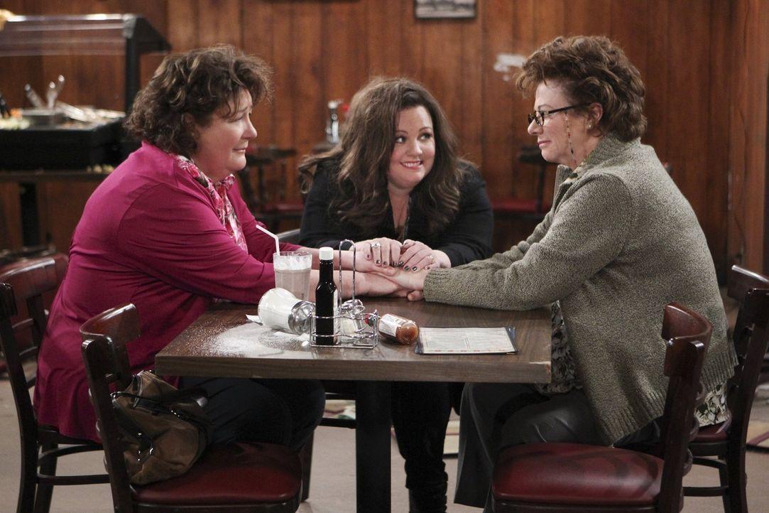 Wie wird das Zusammentreffen von Peggy (Rondi Reed, r.) und ihrer entfremdeten Schwester Rosemary (Margo Martindale, l.) verlaufen? Molly (Melissa M... - Bildquelle: Warner Brothers