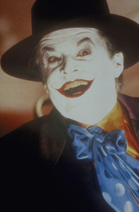 """Der Killer Napier (Jack Nicholson) gerät in eine tödliche Falle. Nun treibt er als """"Joker"""" sein Unwesen und macht die gesamte Stadt unsicher ... - Bildquelle: Warner Bros."""