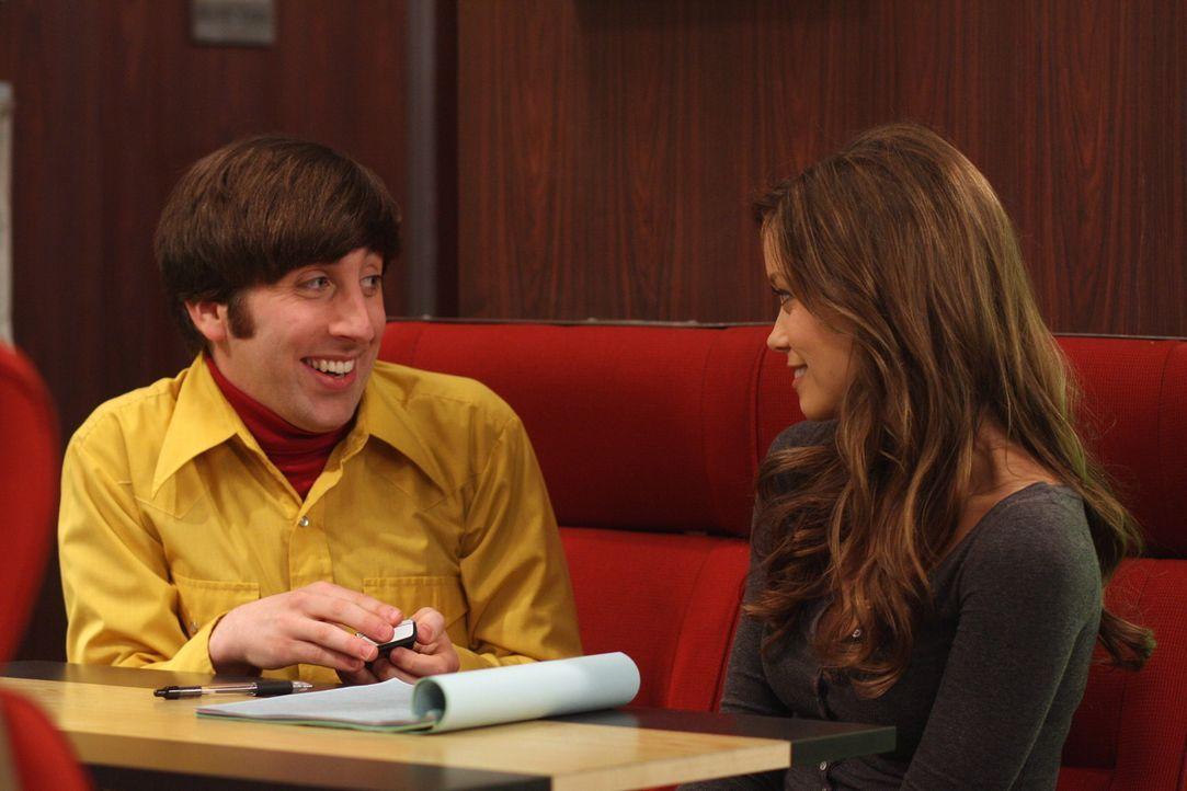 Howard (Simon Helberg, l.) und Raj sind begeistert: Die attraktive Schauspielerin Summer Glau (Summer Glau, r.) sitzt im gleichen Waggon. Die beiden... - Bildquelle: Warner Bros. Television