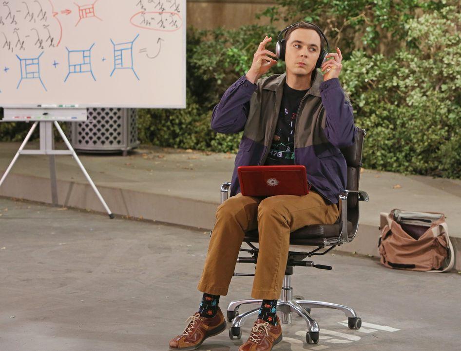Will seinen Parkplatz nicht an Howard abgeben: Sheldon (Jim Parsons) ... - Bildquelle: Warner Bros. Television