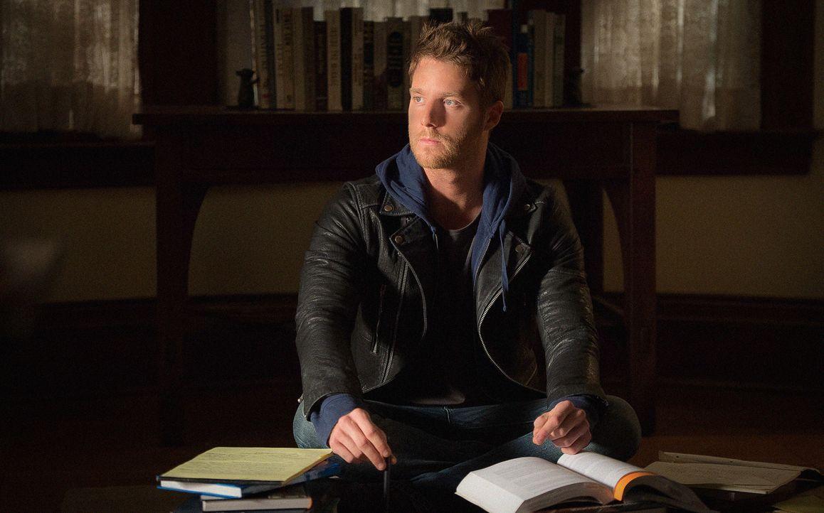 Als Brian (Jake McDorman) eine Pille von seinem Freund Eli einnimmt, werden plötzlich Intelligenz, Erinnerungsvermögen, Konzentrations- und Wahrnehm... - Bildquelle: Jojo Whilden 2015 CBS Broadcasting, Inc. All Rights Reserved