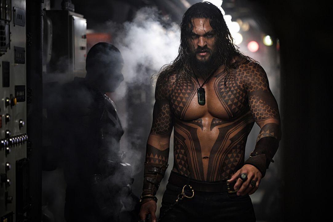 Arthur Curry / Aquaman (Jason Momoa) - Bildquelle: TM and © DC © Warner Bros. Ent. Inc.  All Rights Reserved.