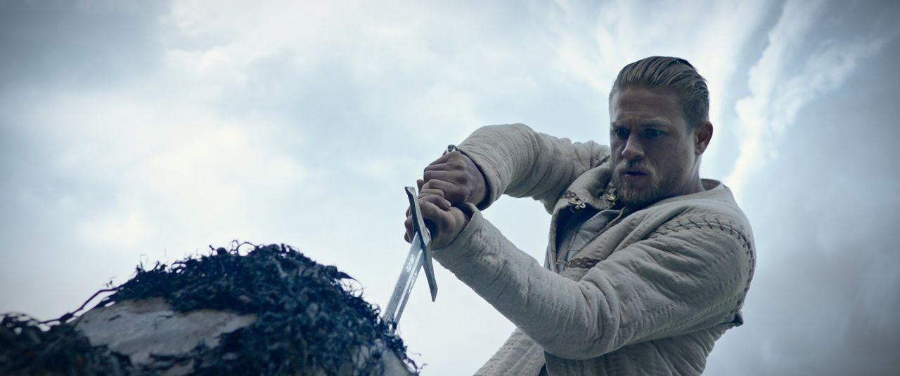 Arthur (Charlie Hunnam) - Bildquelle: Warner Bros.