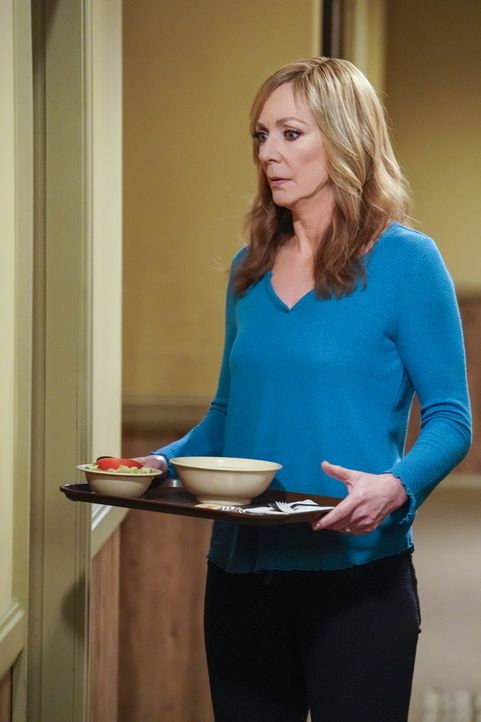 Bonnie (Allison Janney) - Bildquelle: Warner Bros. Entertainment, Inc.