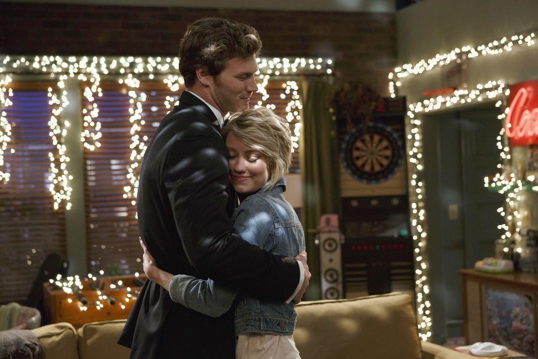 Danny (Derek Theler, l.); Riley (Chelsea Kane, r.) - Bildquelle: Bruce Birmelin ABC Family