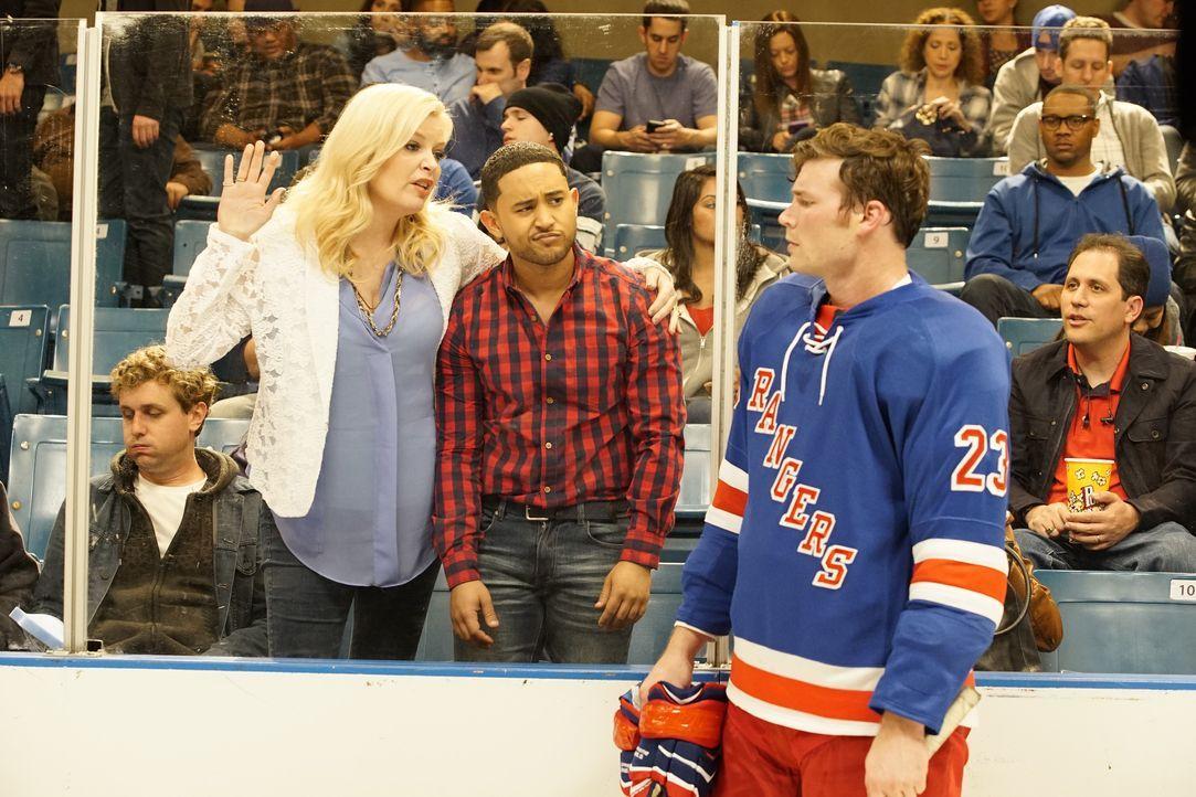 (v.l.n.r.) Bonnie (Melissa Peterman); Tucker (Tahj Mowry); Danny (Derek Theler) - Bildquelle: Kelsey McNeal ABC Family / Kelsey McNeal
