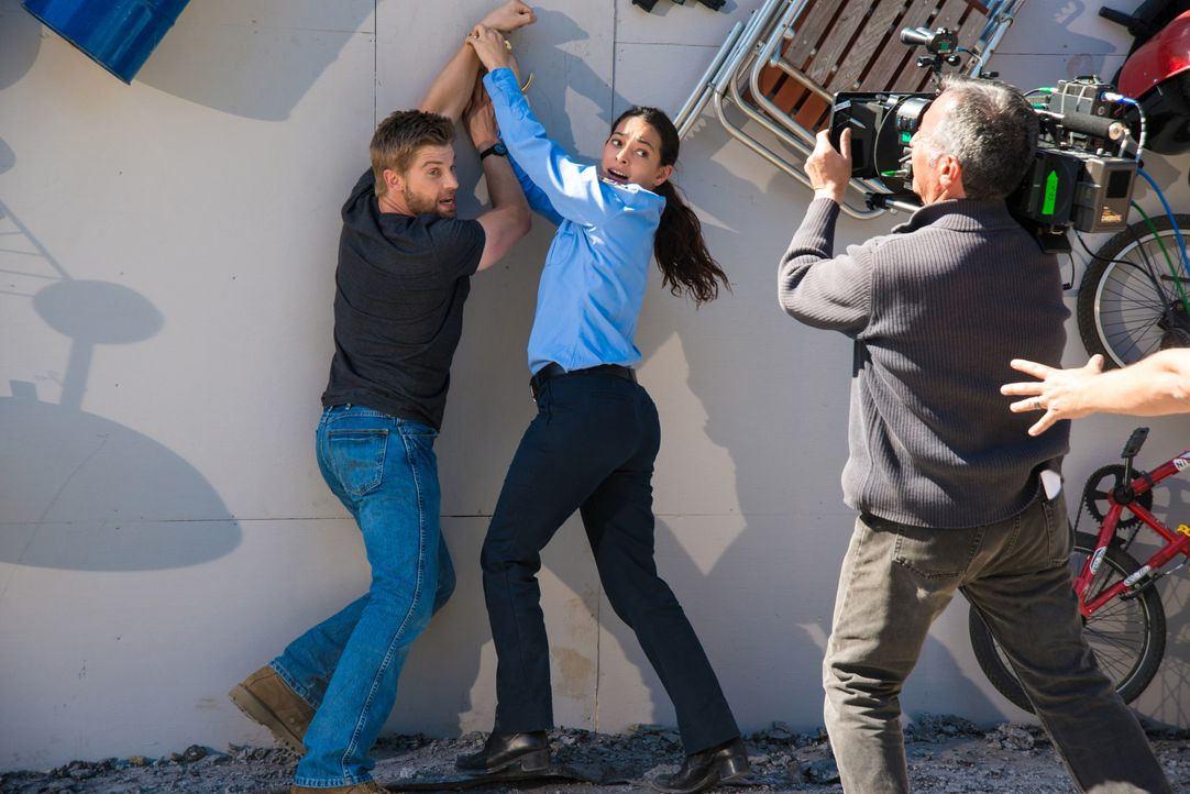 Under-The-Dome-Staffel-2-Behind-The-Scenes-Bilder-4 - Bildquelle: ©2014 Broadcasting Inc. All Rights Reserved