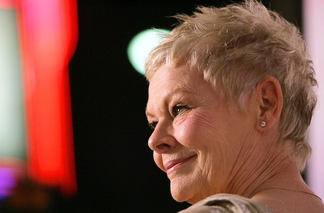 Judi-Dench-05-12-05-getty-AFP - Bildquelle: getty-AFP