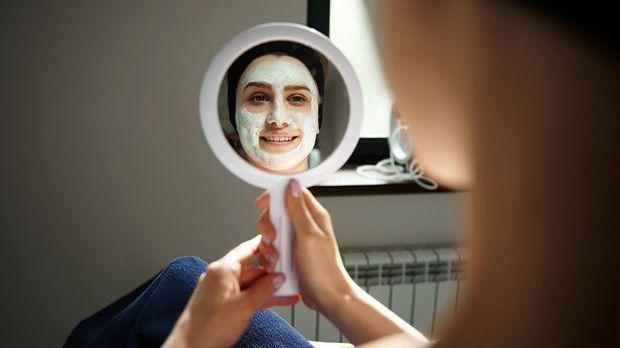 Welches Peeling passt zu deinem Hauttyp? Wir haben die besten Tipps und Trick...
