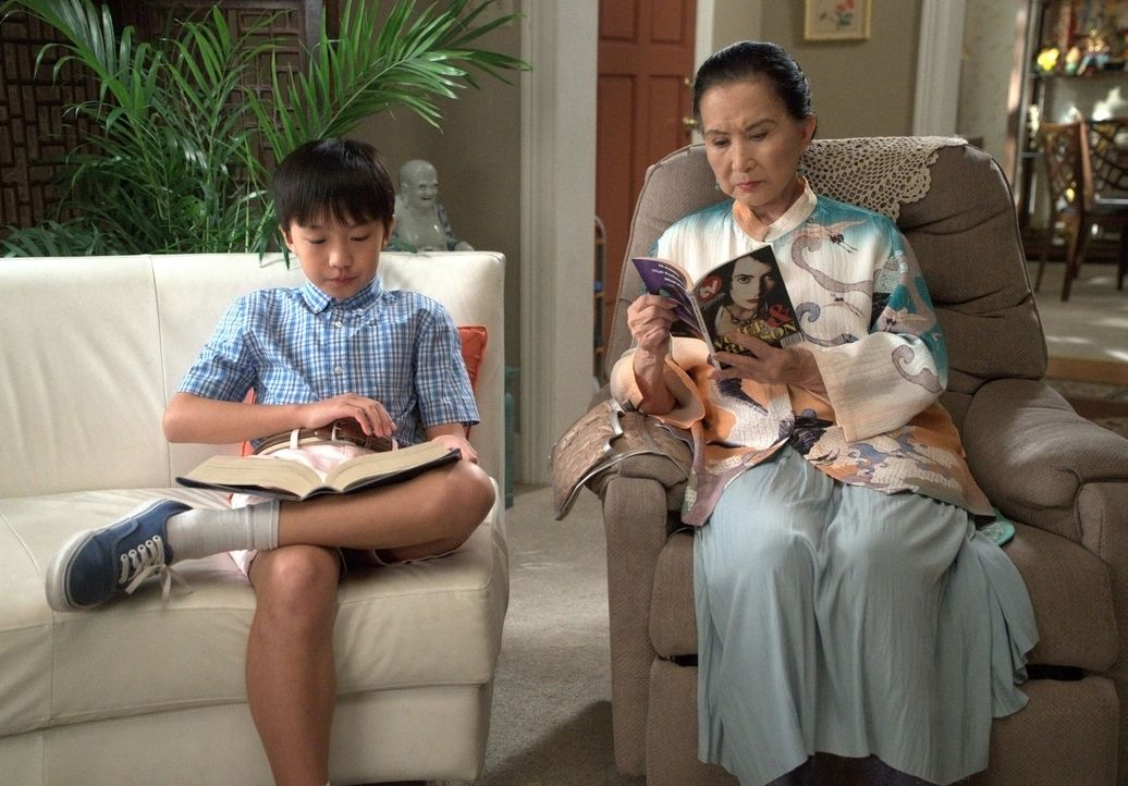 Evan Huang (Ian Chen, l.); Grandma Huang (Lucille Soong, r.) - Bildquelle: 2018-2019 American Broadcasting Companies.  All rights reserved.