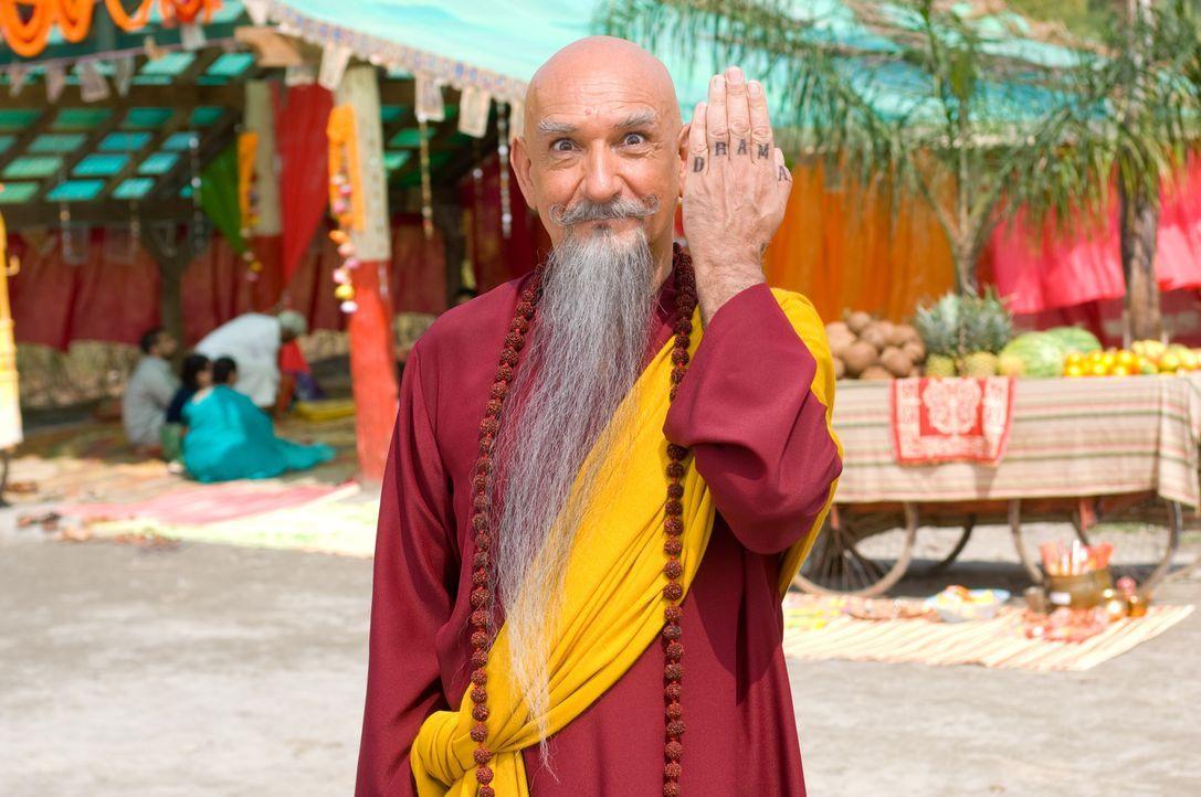 Der Vater aller Gurus, Tugginmypudha (Ben Kingsley), war für Pitkas spirituelle Ausbildung zuständig, nachdem ihn seine Eltern als Baby vor den To... - Bildquelle: Paramount Pictures