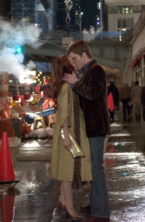 Ein verhängnisvoller Kuss: Ashley Albright (Lindsay Lohan, l.) und Jake Hardin (Chris Pine, r.) ... - Bildquelle: Epsilon Motion Pictures GmbH