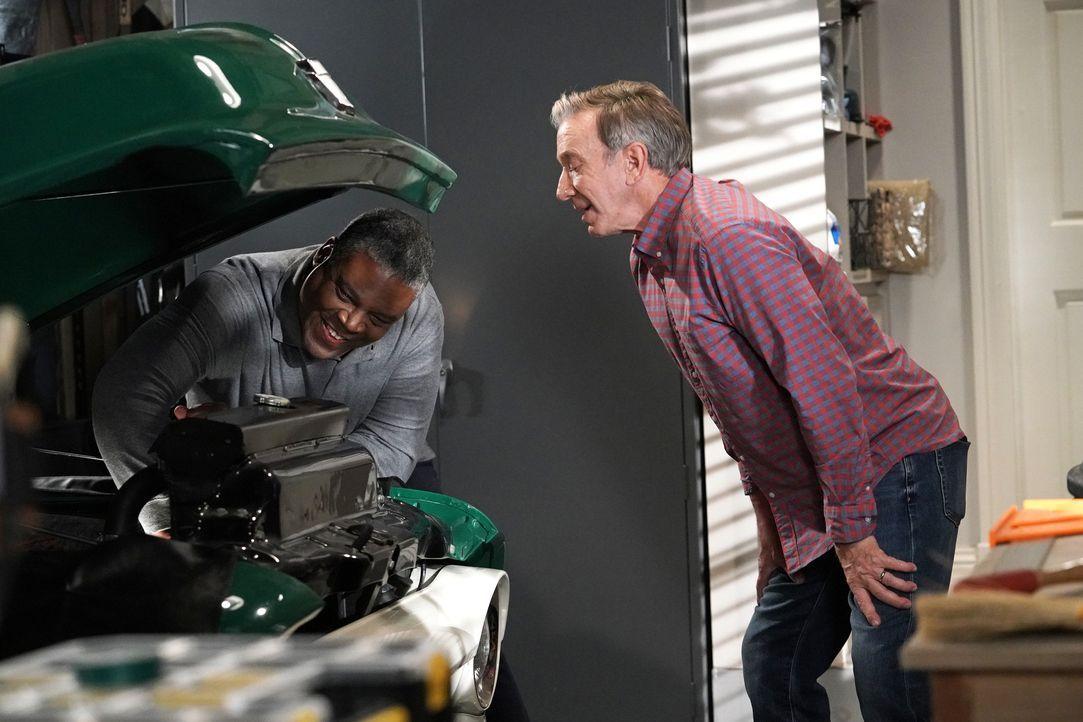 Chuck Larabee (Jonathan Adams, l.); Mike Baxter (Tim Allen, r.) - Bildquelle: Michael Becker 2020 Fox Media LLC. / Michael Becker