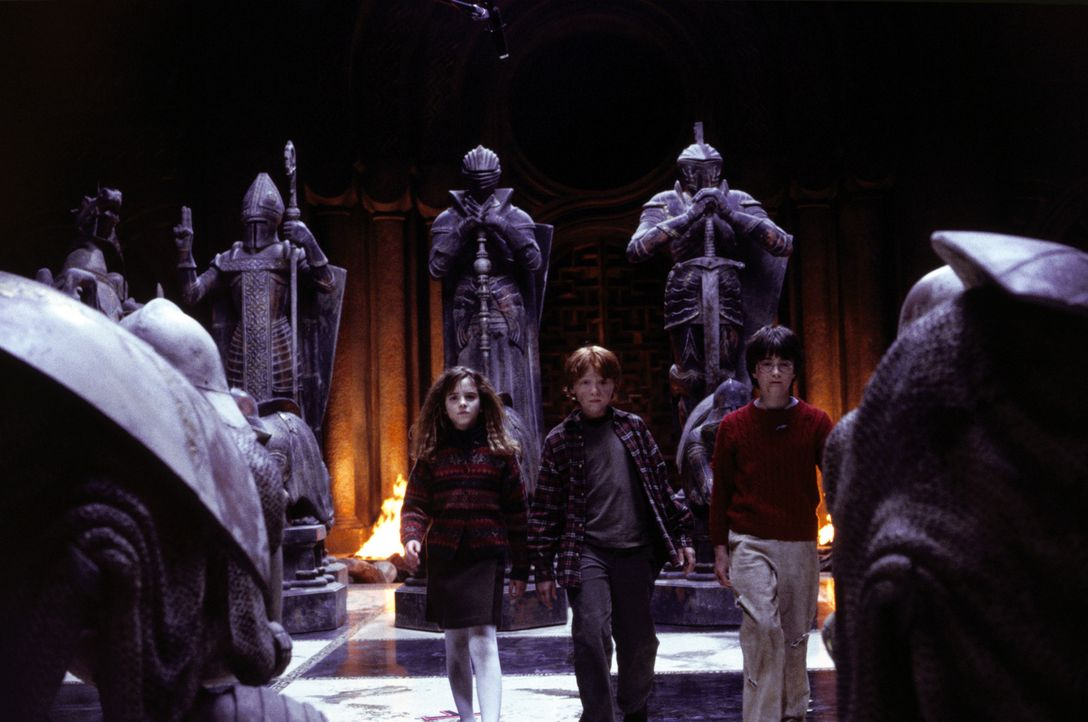 Ein eingeschworenes Team: Hermione (Emma Watson, l), Ron (Rupert Grint, M.) und Harry Potter (Daniel Radcliffe, r.) ... - Bildquelle: Warner Bros. Pictures