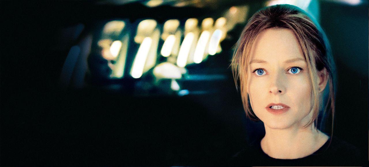 Keiner der Passagiere hat die kleine Julia gesehen. Kyle Pratt (Jodie Foster) ist völlig verzweifelt - niemand scheint ihr Glauben zu schenken ... - Bildquelle: Touchstone Pictures.  All rights reserved