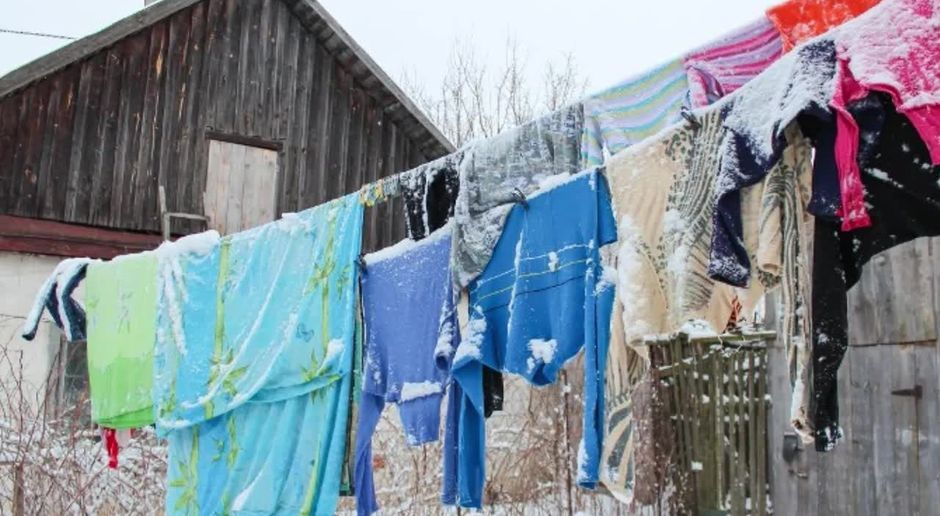 Deshalb solltest du deine Wäsche bei Frost draußen aufhängen