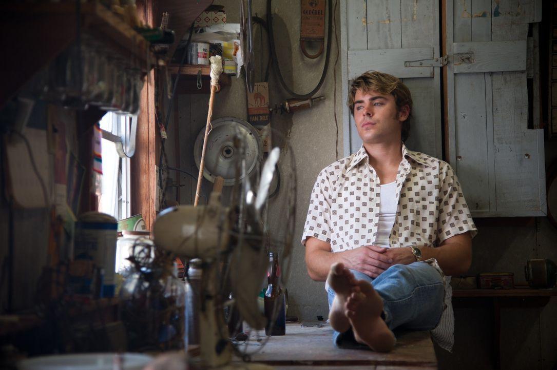 Unglücklicherweise verliebt sich Wards jüngerer Bruder Jack (Zac Efron) in ein Gangsterliebchen, das einen völlig durchgeknallten und hemmungslosen... - Bildquelle: 2012 PAPERBOY PRODUCTIONS, INC.