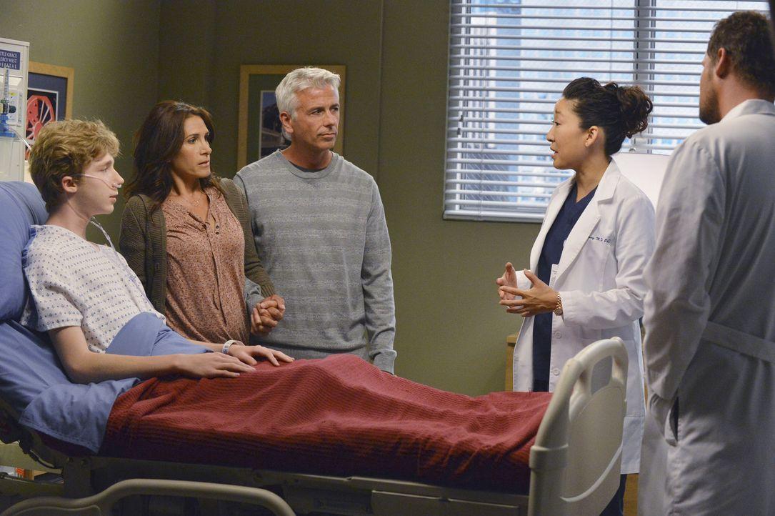 Weil Michael (Joey Luthman, l.) ein neues Herz braucht, um überleben zu können, möchte er sich einer gefährlichen Operation unterziehen. Mrs. un... - Bildquelle: ABC Studios