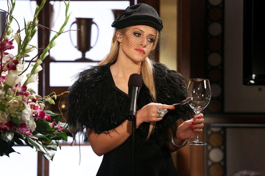Nimmt an der Trauerfeier von Maty teil: Dalia (Carly Chaikin) ... - Bildquelle: Warner Brothers