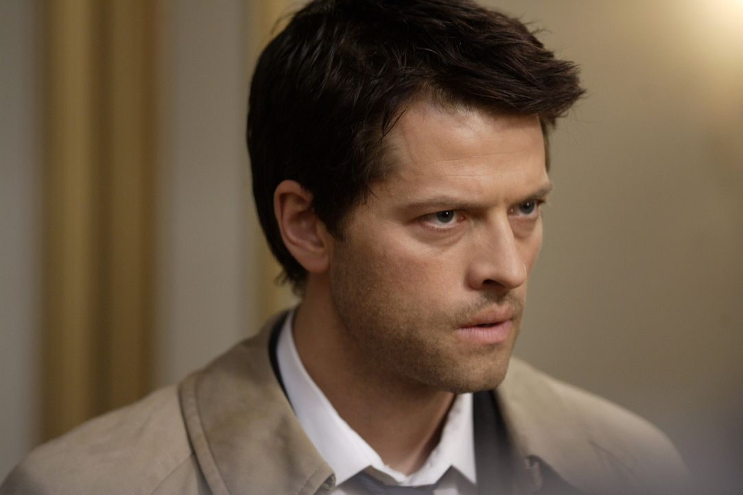 Die Apokalypse rückt immer näher, Castiel (Misha Collins) und Zachariah wollen Dean klarmachen, dass damit seine  große Stunde schlägt ... - Bildquelle: Warner Bros. Television