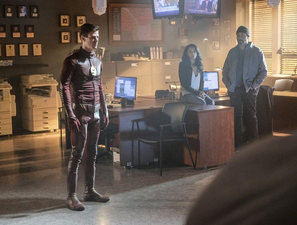 Barry alias The Flash (Grant Gustin, l.) wird in der Speed Force dazu gezwungen, erneut darüber nachzudenken, was er auch Iris (Candice Patton, M.)... - Bildquelle: 2016 Warner Bros.