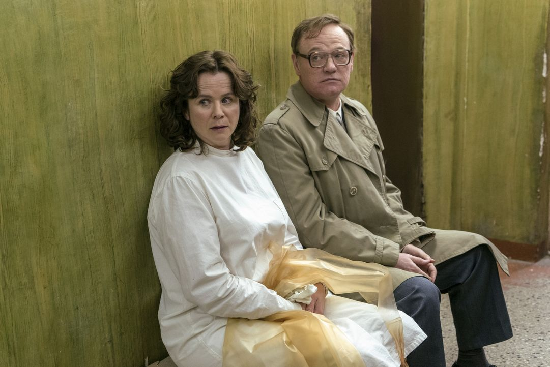 Ulana Chomjuk (Emily Watson, l.); Waleri Legassow (Jared Harris, r.) - Bildquelle: Sky UK Ltd/HBO