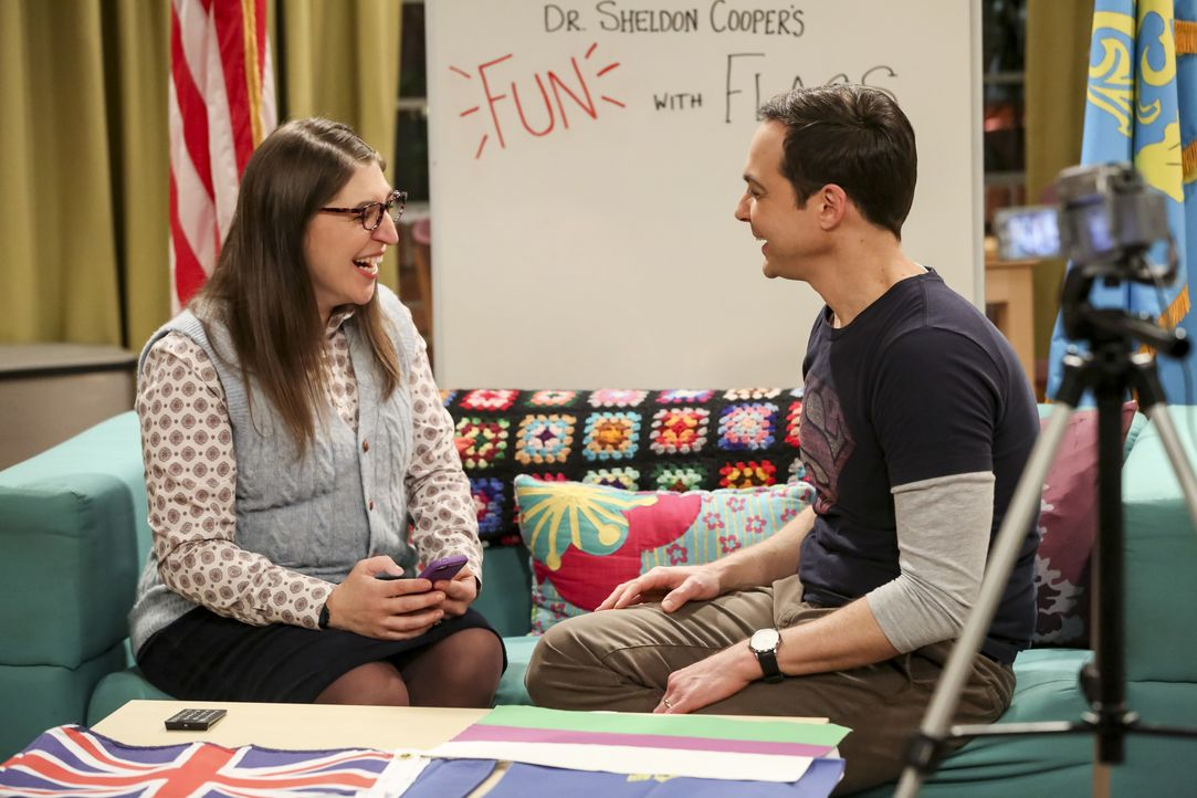 Amy Farrah Fowler (Mayim Bialik, l.); Sheldon Cooper (Jim Parsons, r.) - Bildquelle: Michael Yarish 2018 WBEI. All rights reserved. / Michael Yarish