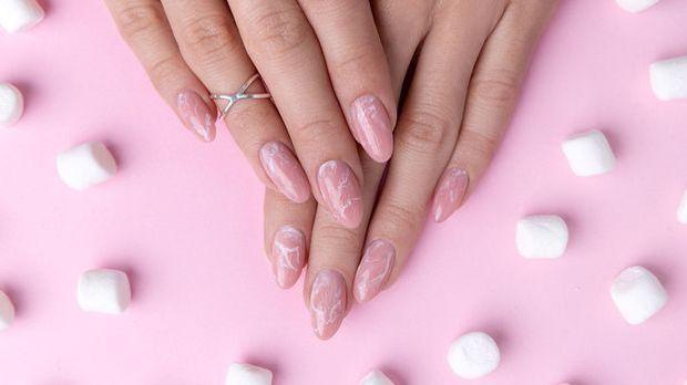 Traumhafte Marmor Nägel