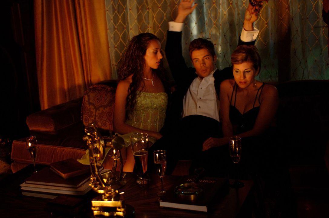 Noch kann Blaine (Josh Henderson, Mitte) sein Leben als Womanizer genießen, doch schon bald nimmt sein unbeschwertes Dasein ein jähres Ende ... - Bildquelle: 2008 360 Pictures LLC. All Rights Reserved.