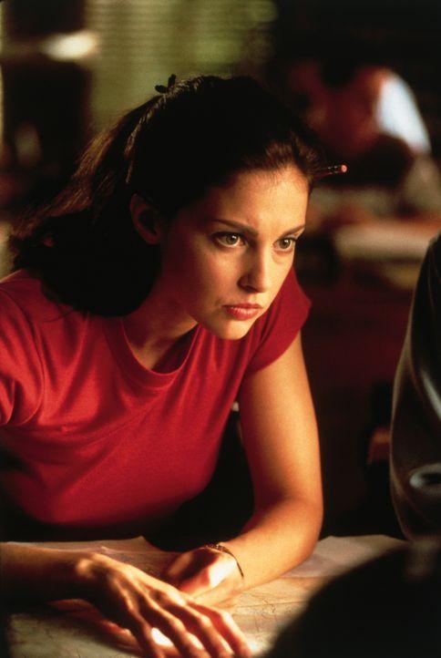 Als ihre Erinnerungen wiederkehren, kann Kate (Ashley Judd) wichtige Hinweise geben, die den Cops helfen, das Versteck der Frauen ausfindig zu mache... - Bildquelle: 2012 by Paramount Pictures. All rights reserved.
