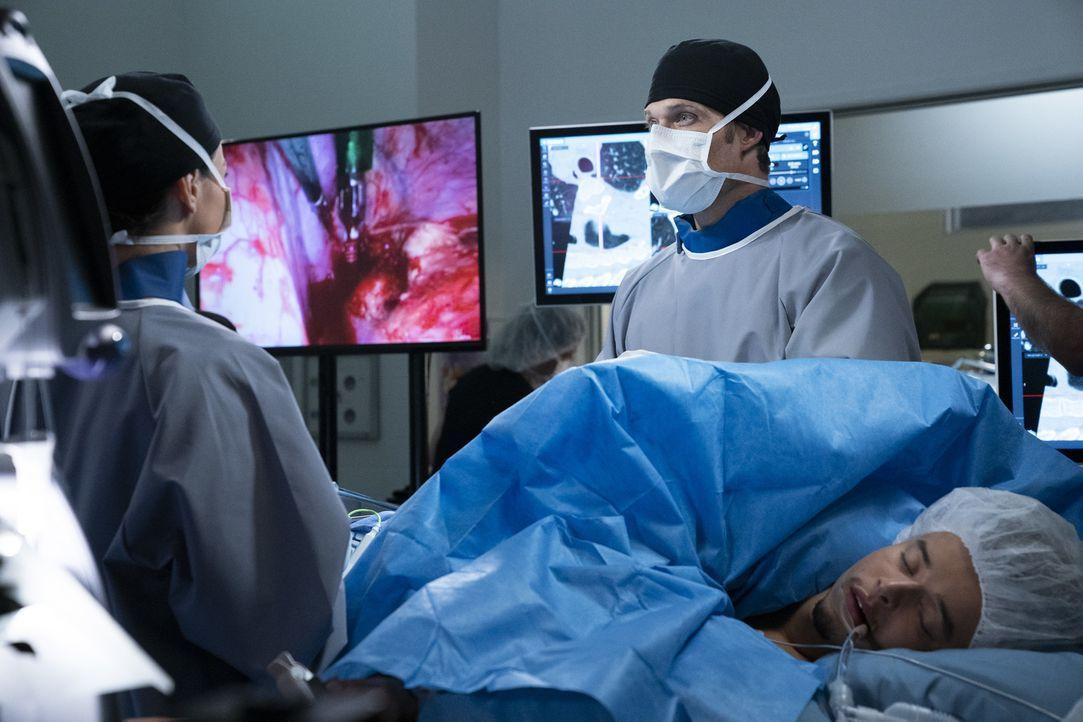 Dr. Amelia Shepherd (Caterina Scorsone, l.); Dr. Atticus Lincoln (Chris Carmack, r.) - Bildquelle: Mitch Haaseth ABC Studios