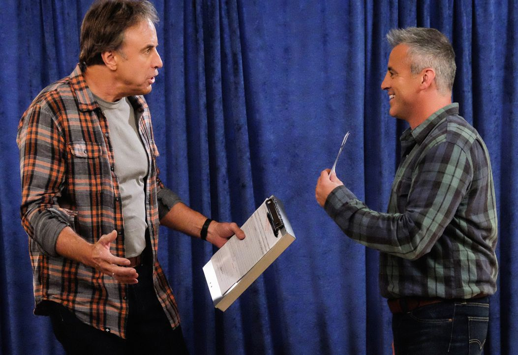 Don Burns (Kevin Nealon, l.); Adam Burns (Matt LeBlanc, r.) - Bildquelle: 2016 CBS Broadcasting, Inc. All Rights Reserved