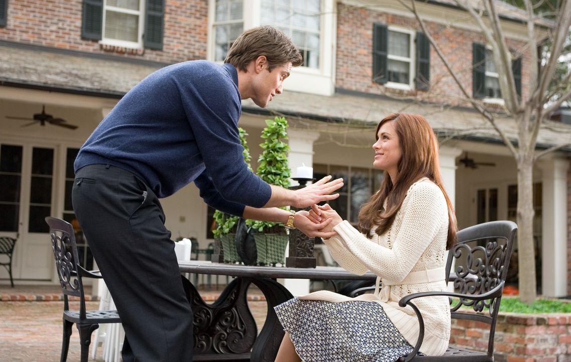 Vanessa (Danneel Harris, r.) will nächste Woche in Texas Colton Graham (Eric Winter, l.), einen Kumpel von Harold, den Kumar inbrünstig hasst, hei... - Bildquelle: Warner Brothers