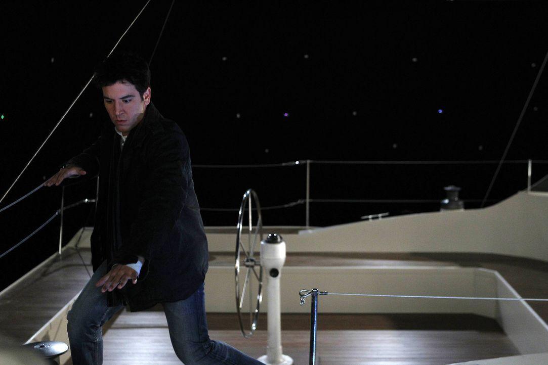 Nimmt das Angebot von Captain an, mit ihm auf seiner Yacht einen kleinen Abendtörn zu unternehmen: Ted (Josh Radnor) ... - Bildquelle: 20th Century Fox International Television