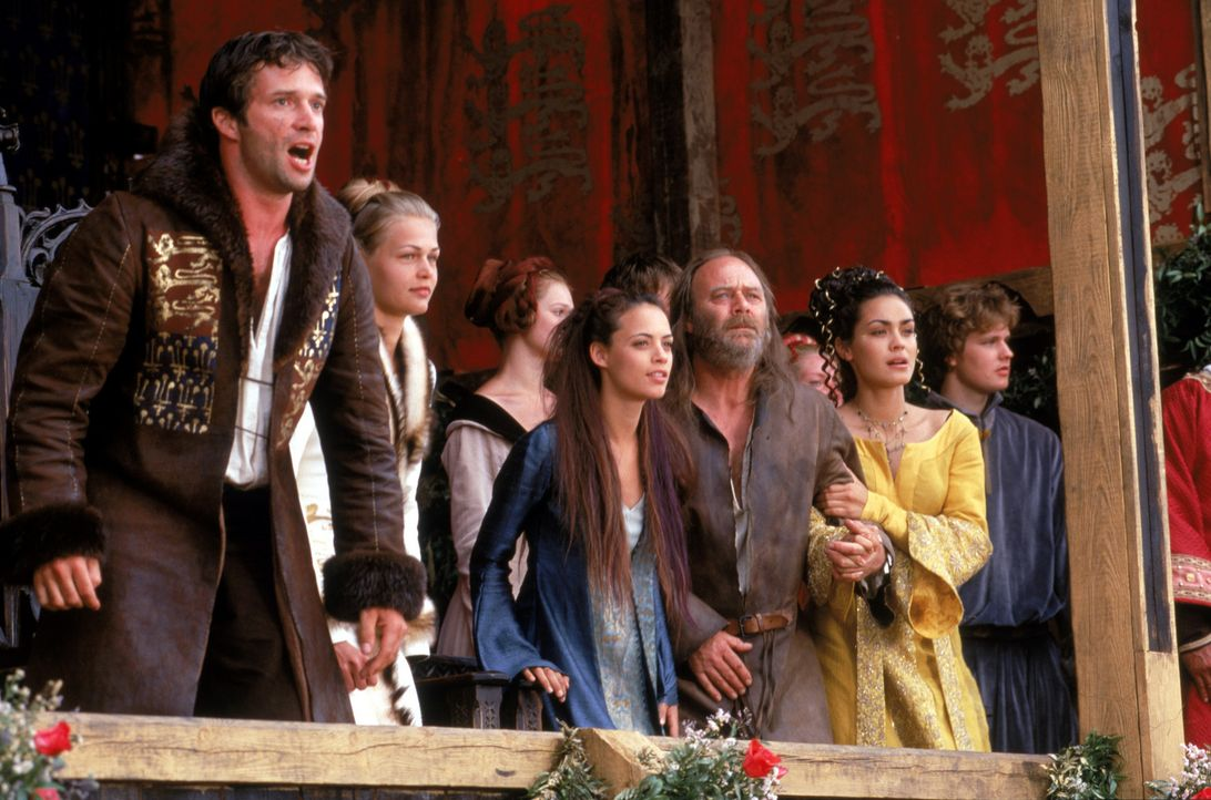 Eine starke Fangemeinde: (v.l.n.r.) Prinz Edward (James Purefoy), Zofe Christiana (Bérénice Bejo), Kate (Laura Fraser), John (Christopher Cazenove... - Bildquelle: 2003 Sony Pictures Television International. All Rights Reserved