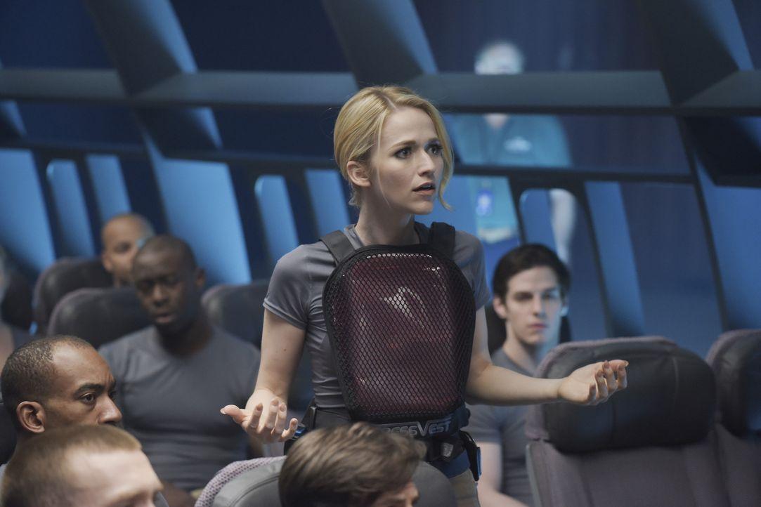 In Quantico wird das Verhalten während einer Flugzeugentführung trainiert, was Shelby (Johanna Braddy) sehr mitnimmt ... - Bildquelle: Philippe Bosse 2015 ABC Studios