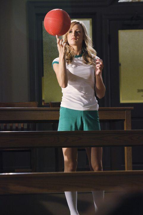 Steht bei Dr. Cox auf der Abschussliste: Lucy (Kerry Bishe) ... - Bildquelle: Touchstone Television