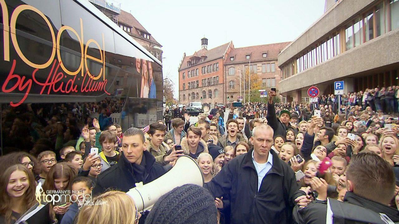 GNTM-10-Sendung01_002 - Bildquelle: ProSieben