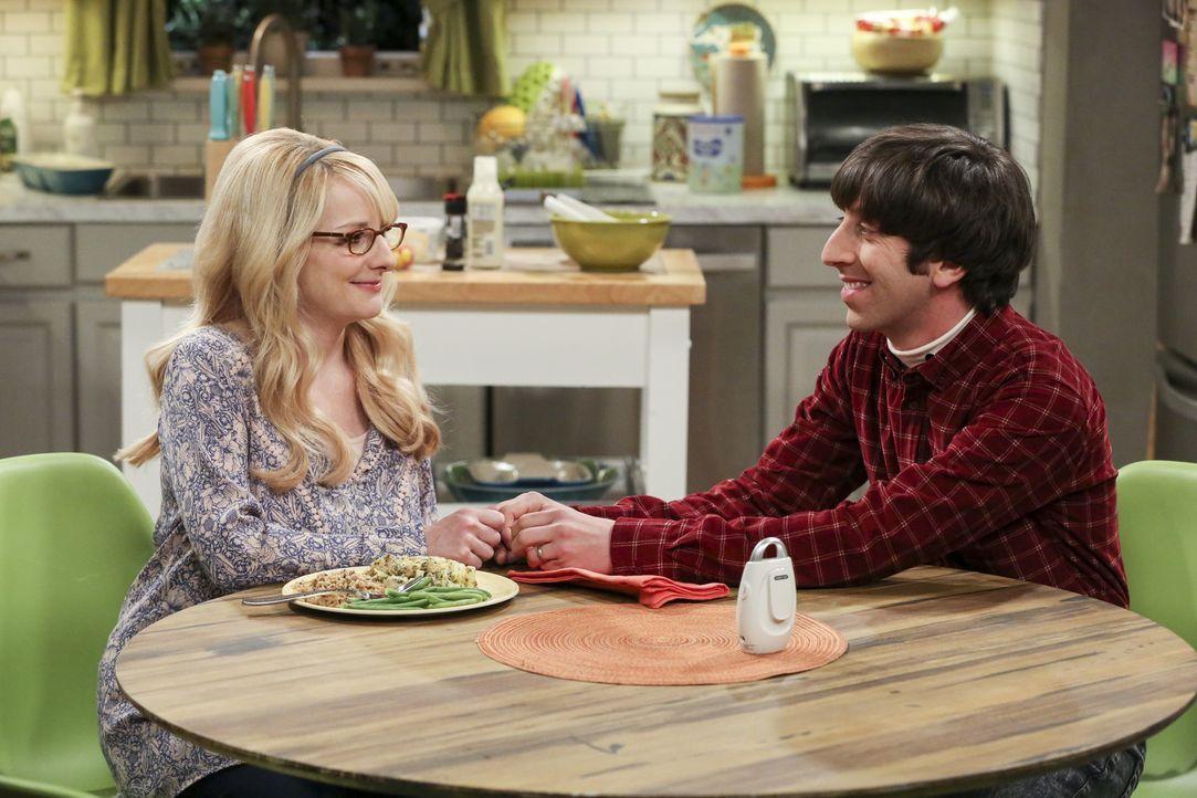 Während sich Amy und Sheldon auf ein Hochzeitsdatum in zwei Monaten einigen, müssen Bernadette (Melissa Rauch, l.) und Howard (Simon Helberg, r.) eb... - Bildquelle: Warner Bros. Television