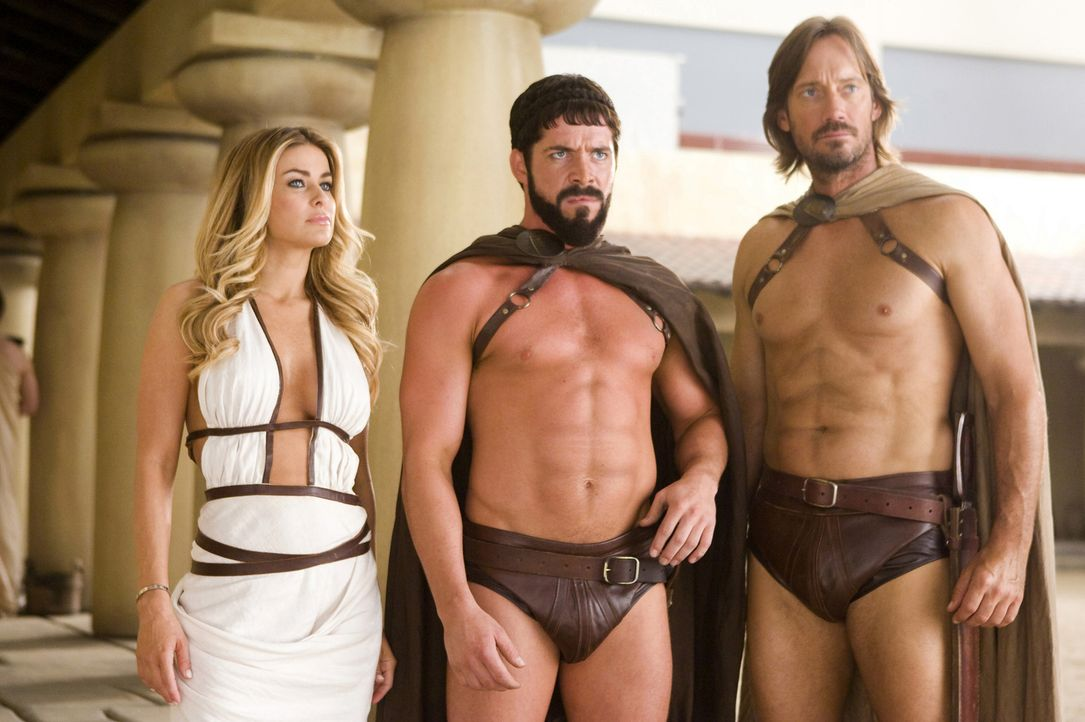 Königin Margo (Carmen Electra, l.); Leonidas (Sean Maguire, M.); Captain (Kevin Sorbo, r.) - Bildquelle: Doug Hyun 2008 Twentieth Century Fox Corporation. All rights reserved. Not for sale or duplication.