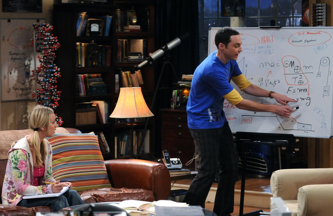 Penny (Kaley Cuoco, l.)  bittet Sheldon (Jim Parsons, r.), ihr etwas über Physik beizubringen, damit sie mit Bernadette mithalten kann. Sheldon ist... - Bildquelle: Warner Bros. Television