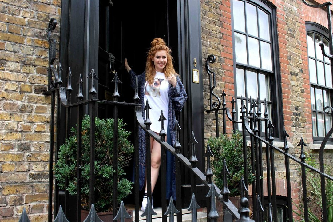 """London - ich komme! Und zwar ganz ohne Telefon, Facebook und Twitter! Palina Rojinski geht """"Offline"""" und wagt einen Abenteuer-Trip ins Ungewisse in... - Bildquelle: ProSieben"""