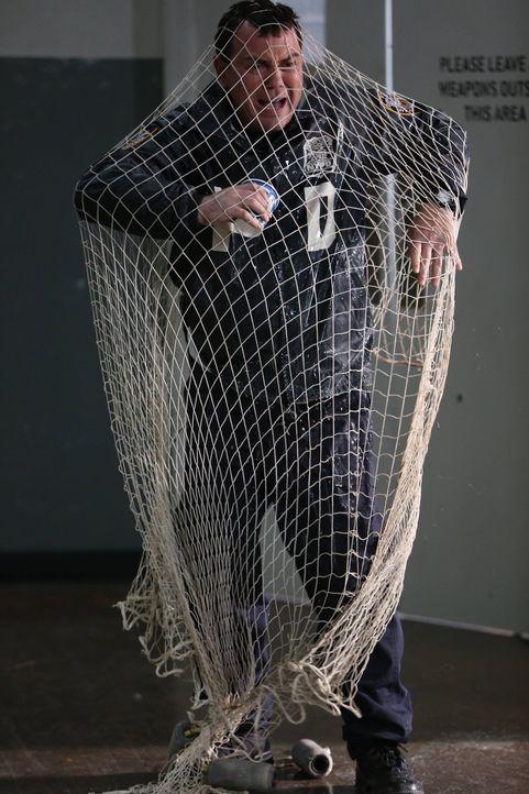 Charles Boyle (Joe Lo Truglio) - Bildquelle: Tyler Golden 2013 NBC Studios LLC. All Rights Reserved. / Tyler Golden