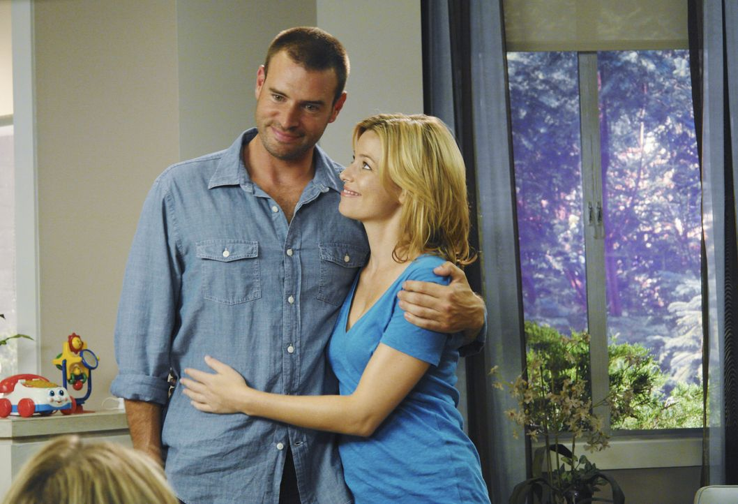 J.D. muss feststellen, dass es einen neuen Mann in Kims (Elizabeth Banks, r.) Leben gibt. Und das ist ausgerechnet Elliots Ex-Freund Sean (Scott Fol... - Bildquelle: Touchstone Television