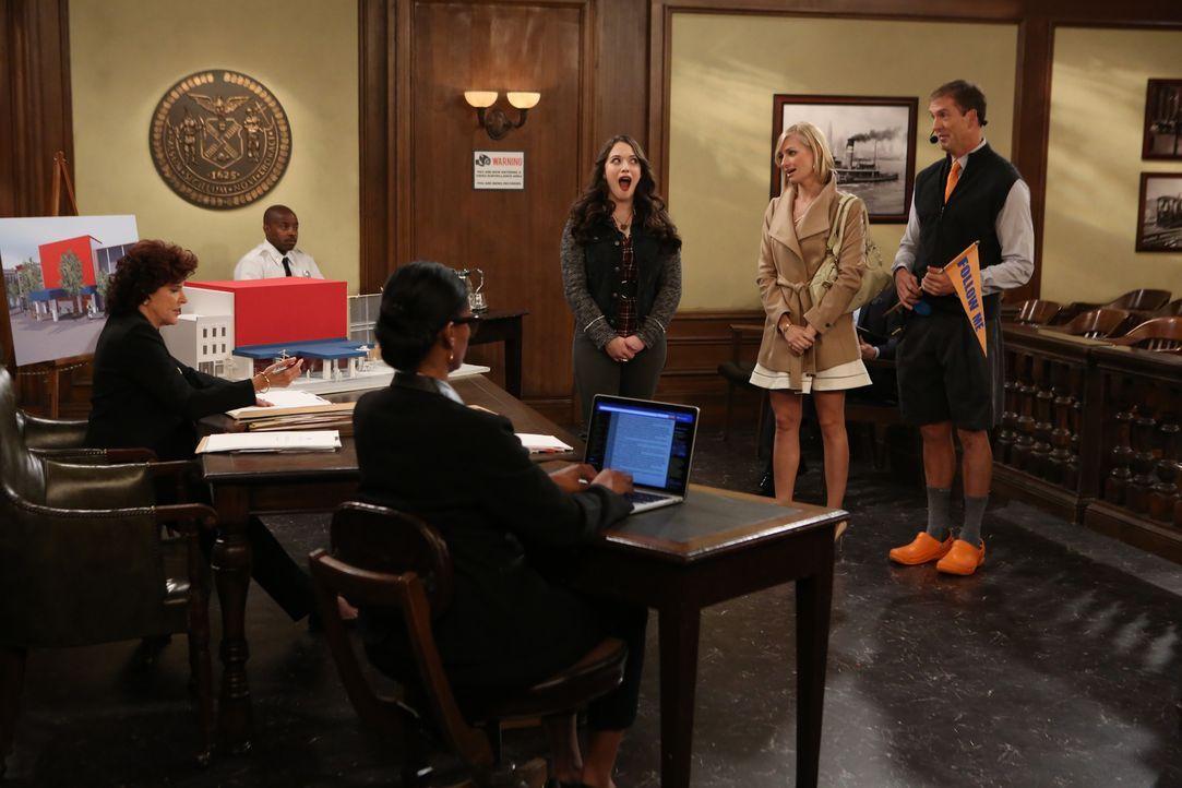 Caroline (Beth Behrs, M.) und Max (Kat Dennings, l.) haben einen Plan, wie sie das Diner vor dem Abriss retten können. Dazu brauchen sie nur die Hil... - Bildquelle: Warner Brothers