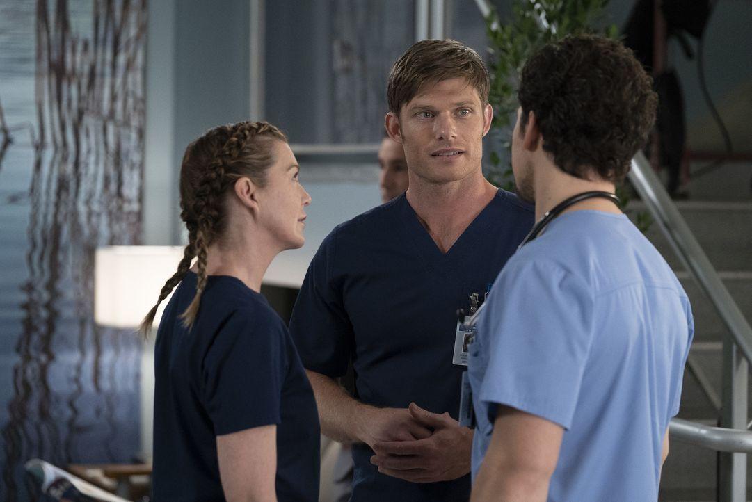 (v.l.n.r.) Dr. Meredith Grey (Ellen Pompeo); Dr. Atticus Lincoln (Chris Carmack); Dr. Andrew DeLuca (Giacomo Gianniotti) - Bildquelle: Eric McCandless ABC Studios