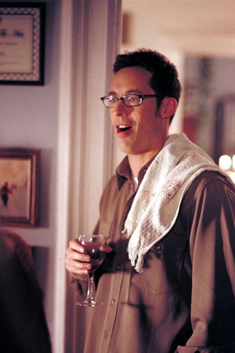 Weil der Lehrer Val Duncan (Tom Cavanagh) davon überzeugt ist, dass Trevor mit seiner Bombendrohung lediglich einen Hilferuf gestartet hat, gibt er... - Bildquelle: Viacom Productions Inc.