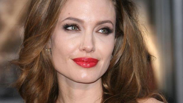 Jolie sternzeichen angelina brad pitt When Angelina