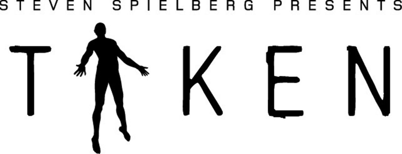 "Logo von ""Steven Spielberg presents Taken: Hinter dem Himmel"" - Bildquelle: TM &   DREAMWORKS LLC.All Rights Reserved"